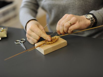 Making a straw ornament